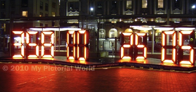 2011-Rugby-World-Cup-Countdown-Clock-Auckland[5]