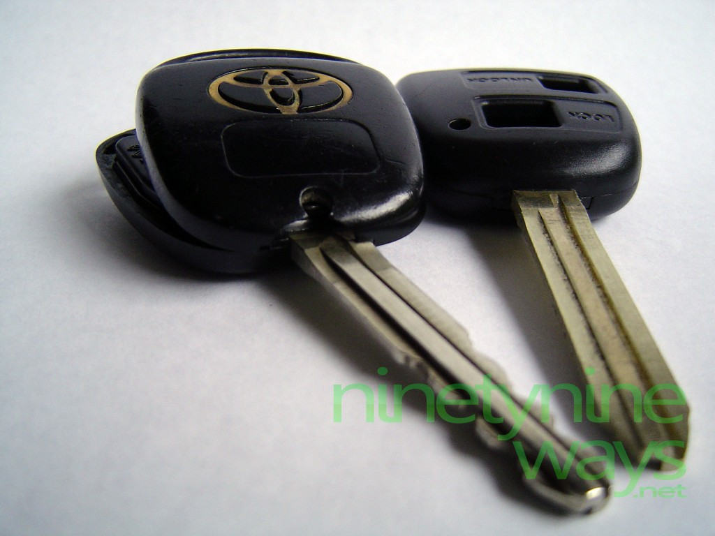 How I Saved Hundreds Replacing A Broken Toyota Corolla Key ...